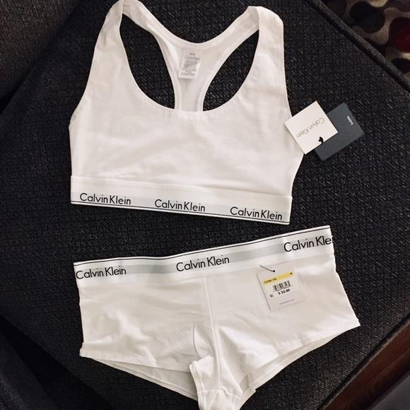 44f9cf608da2b Calvin Klein White Matching Bra   Panty Set